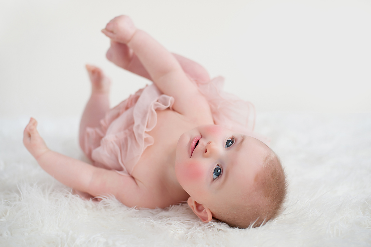6 to 9 month photos baby girl