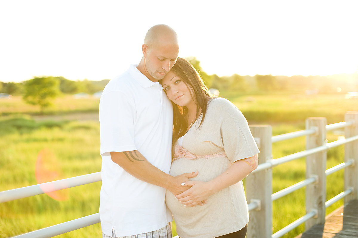 SILVER SANDS BEACH MATERNITY SESSION