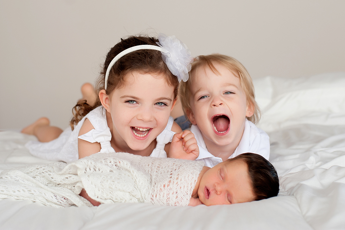 PHOTOGRAPHY STUDIO FOR PROFESSIONAL NEWBORN PICTURES IN CT