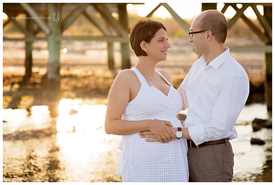Milford, CT Photography | CT Beach Photography | MA Maternity Photographer | Maternity Beach Session | Family Beach Photography | Silver Sands State Park Photography
