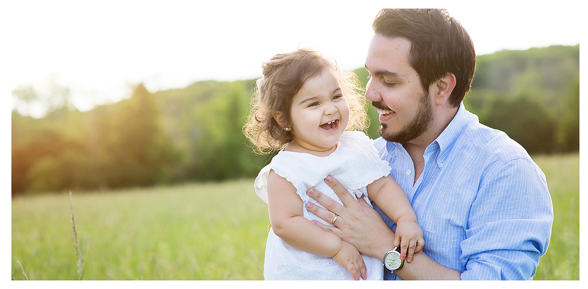 Father and daughter at Topsmead Park in Litchfield CT. Top CT Family photographer Kelli Dease.
