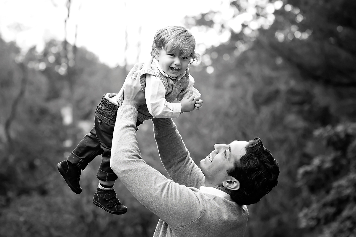 FATHER AND SON IN BLACK AND WHITE. FAMILY PHOTOGRAPHERS IN CT. KELLI DEASE.
