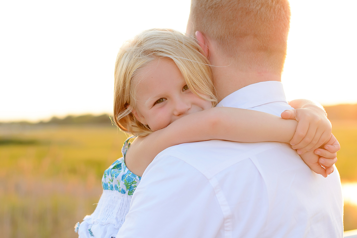NATURAL AND CLASSIC FAMILY PORTRAIT PHOTOGRAPHY IN CT
