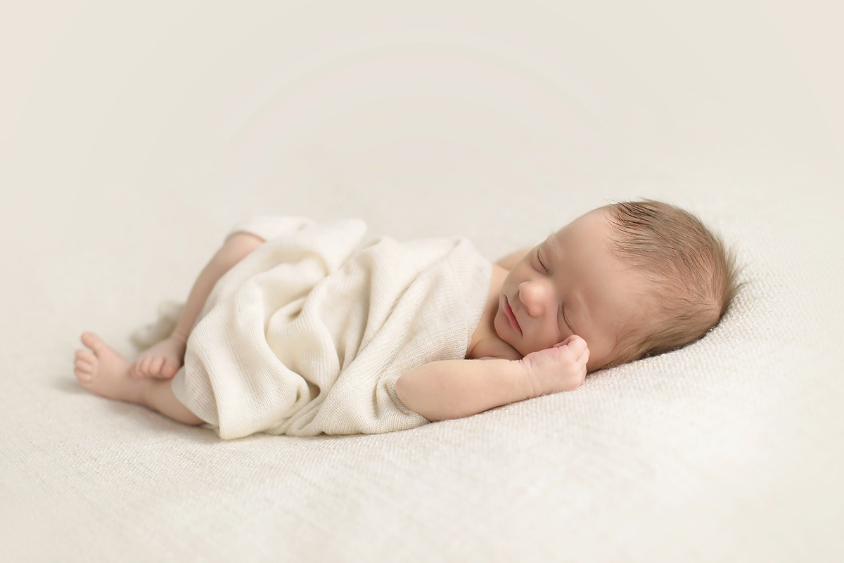 NEWBORN PHOTOGRAPHERS SIMSBURY CT