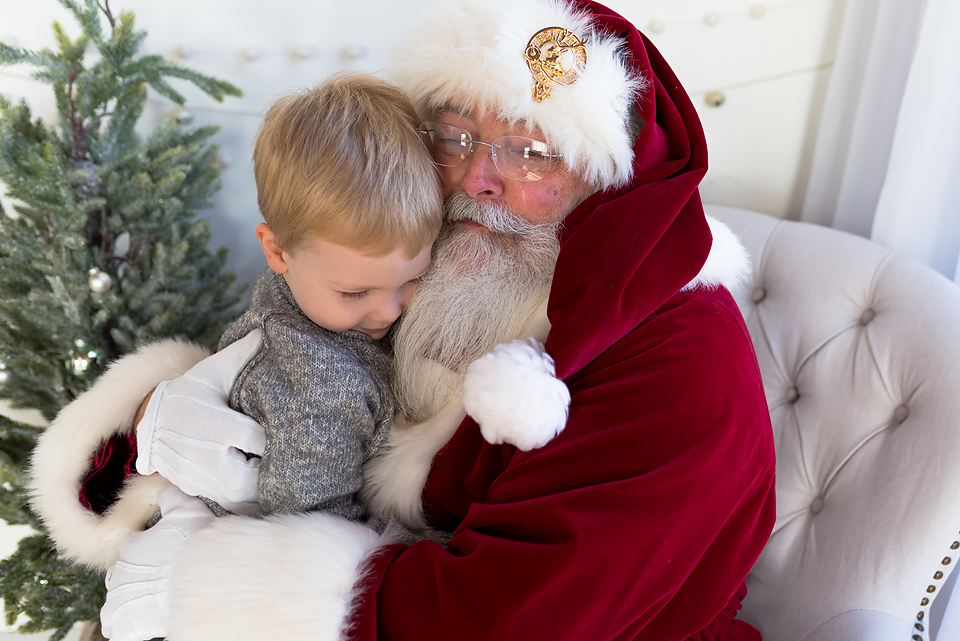 Photos with Santa. CT portrait studio. Holiday and Christmas mini sessions.