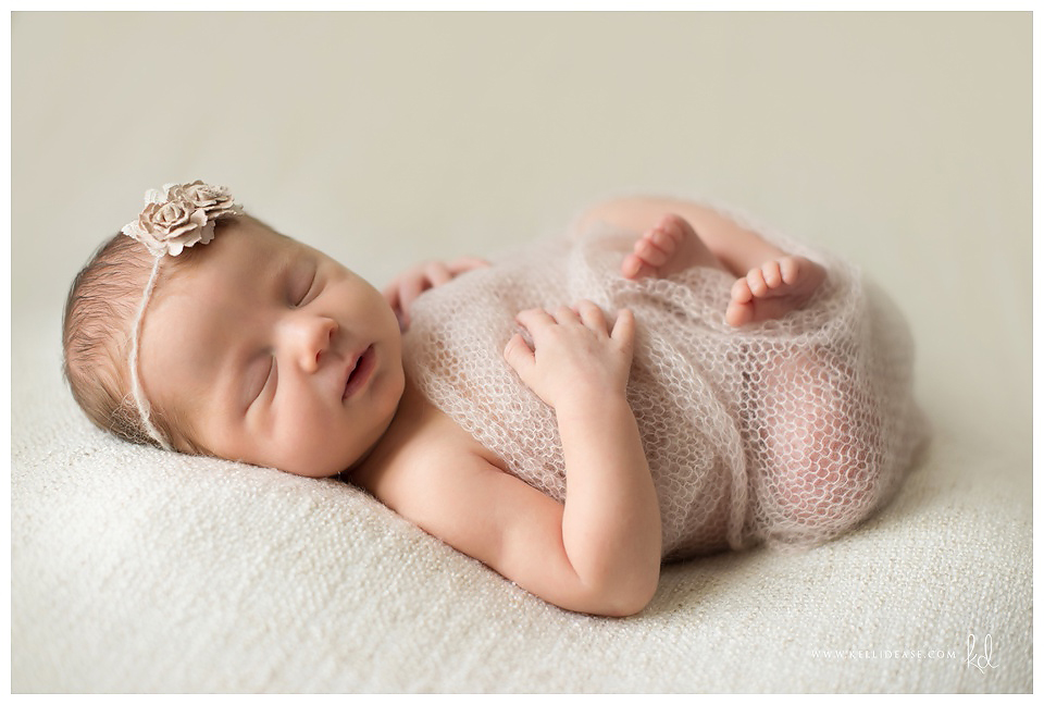 Simple and soft newborn photography kelli dease ct 03