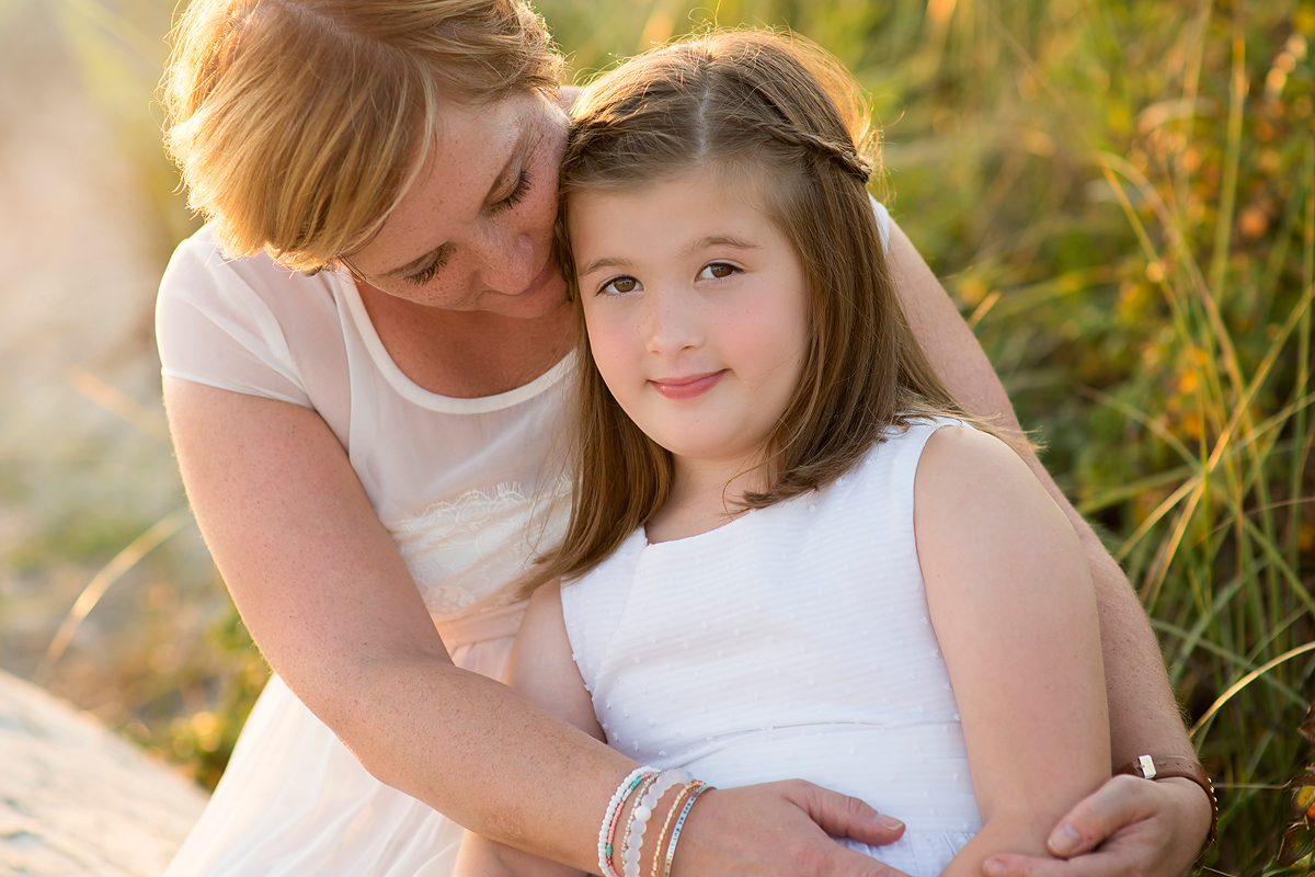 OUTDOOR BEACH MOTHER DAUGHTER PORTRAITS BY BEST CT PHOTOGRAPHER KELLI DEASE.