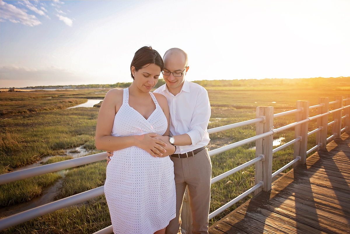 MILFORD CT MATERNITY SUNSET BEACH PORTRAITS BY KELLI DEASE