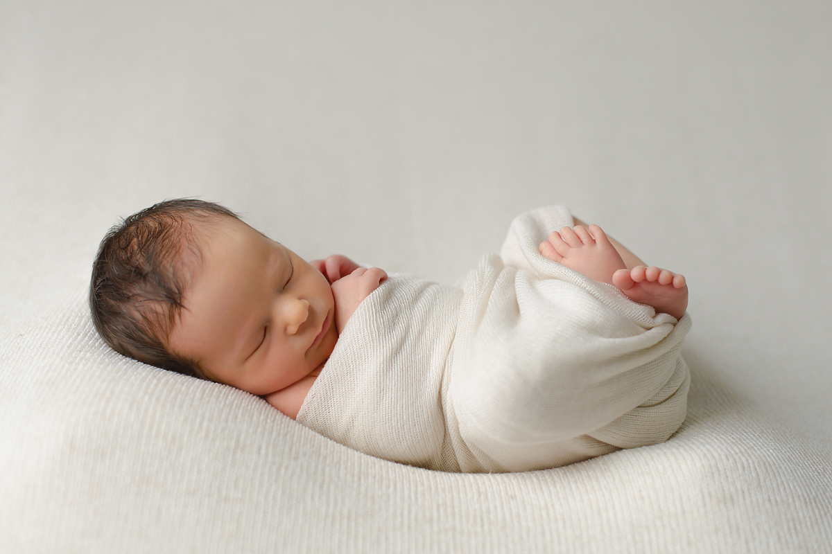 NATURAL NEWBORN PHOTOGRAPHY WEST SIMSBURY CT