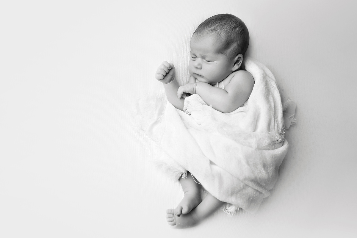 NATURAL NEWBORN PHOTOGRAPHERS UNIONVILLE CT