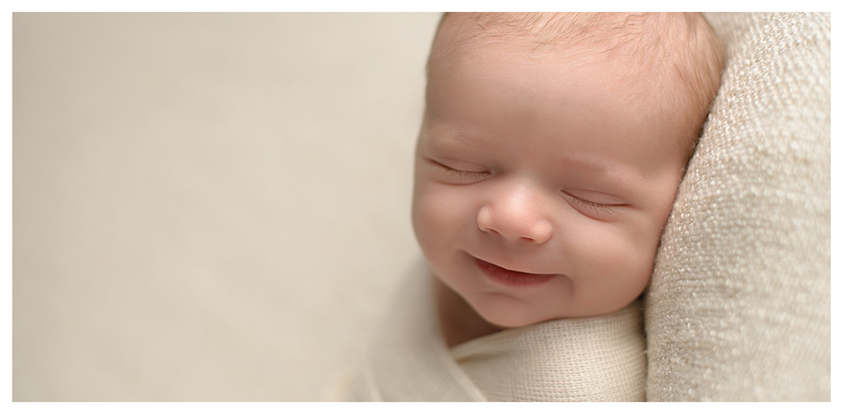 Simple and classic newborn photos   Classic, light and airy newborn photography   Simsbury, CT Newborn Photographers   CT Portrait Studio  www.kellidease.com