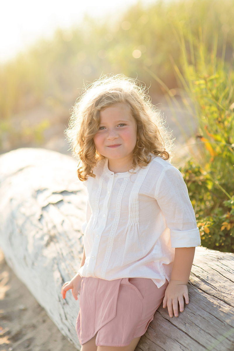 Outdoor Sunset Beach Photo Session in Connecticut | CT Child Photographer | Hartford County Family Photography | CT Photography | www.kellidease.com